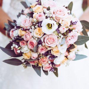 Plug and Pulse - Fleuriste - bouquet de mariage blanc rose et mauve